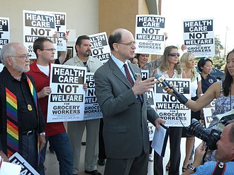 Brad Sherman - Congressman Brad Sherman joins with members of United Food and Commercial Workers (UFCW) at a local supermarket in Sherman Oaks