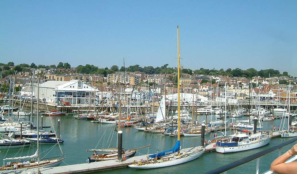 Cowes 02