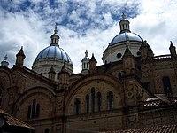 Cupulas Catedral Nueva Cuenca.jpg