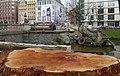 Düsseldorf, Tritonenbrunnen mit abgeholzten Bäumen, 2018.jpg