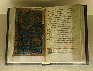 "Latin Psalters - The ""Golden psalter"" open to psalm 51(52), Quid gloriaris in malitia, qui potens es in iniquitate?"