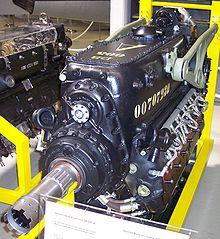 220px-Daimler_Benz_DB_605.jpg