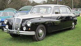Daimler Majestic Major first reg Dec 1967 4561cc.JPG