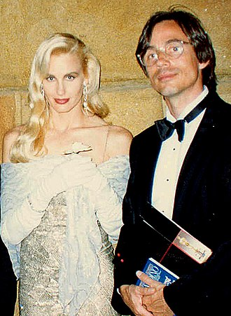 Daryl Hannah - Hannah with Jackson Browne at the Academy Awards, 1988