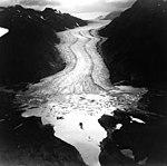 Davidson Glacier, terminus of valley glacier with icebergs in the lake, September 17, 1966 (GLACIERS 5219).jpg