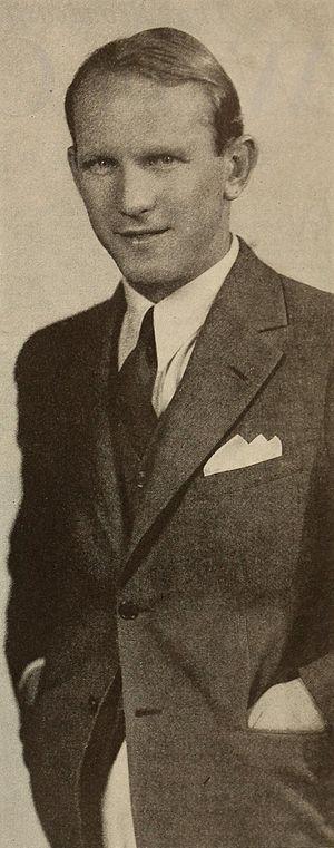 Donald Novis - Image: Donald Novis Radio Mirror, December 1932