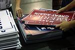 Donald Trump signs (29827751590).jpg
