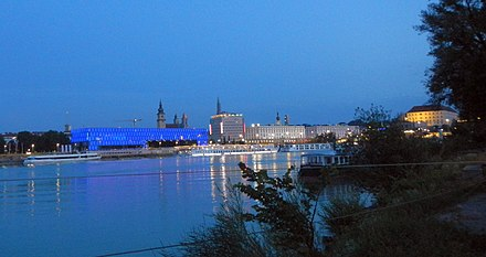 The Danube at Linz with cruise ships Donau Linz Abend.jpg