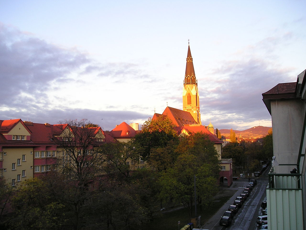 File Donaufelder Kirche In Wien Floridsdorf Blick Von