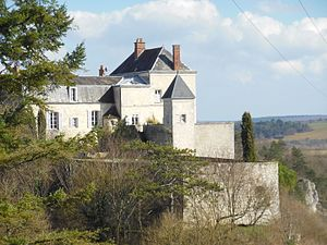 Mailly-le-Château - Image: Donjon de Mailly le Château