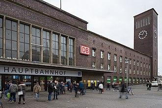 Düsseldorf Hauptbahnhof - Entrance hall of station