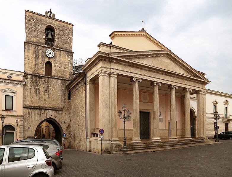 File:Duomo di isernia, esterno 01.jpg