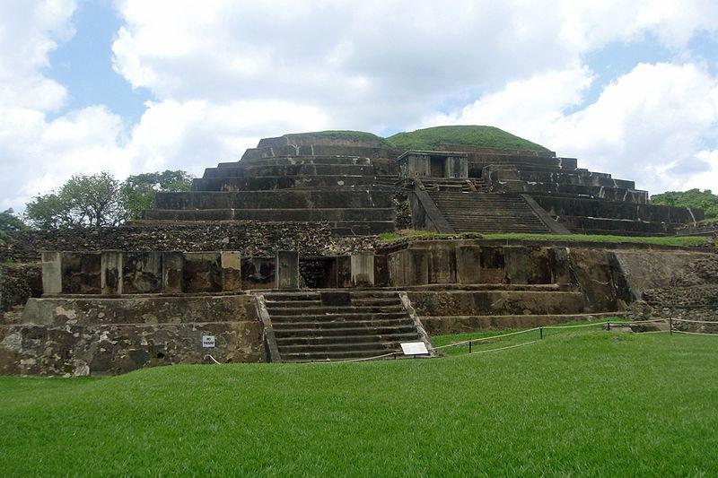 File:ES Tazumal 06 2011 2224.jpg