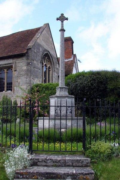 File:East Hendred War Memorial - geograph.org.uk - 1308798.jpg