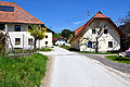 Ebenthal Zwanzgerberg Ortschaft 29042010 076.jpg