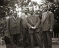 Eberhard Kausel con colegas botánicos en 1948 - Gualterio Looser, posiblemente Harold Moldenke, Colega desconocido.jpg
