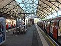 Edgware tube station 034.jpg
