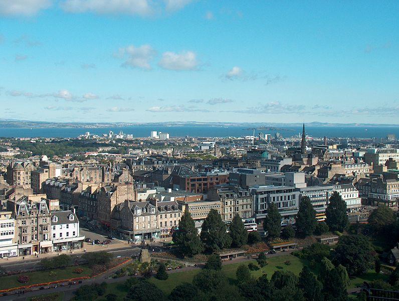 Fichier:Edinburgh view to the town.JPG