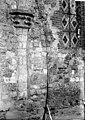 Eglise - Colonne et chapiteau encastrés dans le mur - Groffliers - Médiathèque de l'architecture et du patrimoine - APMH00029518.jpg