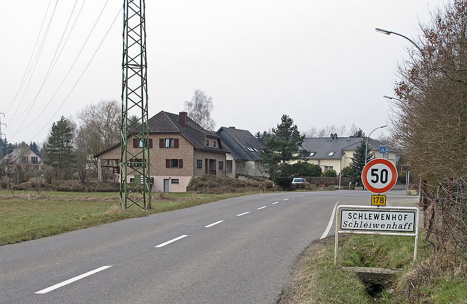 Village boundary of Schlewenhof, Luxembourg