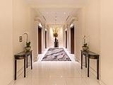 Elevators vestibule at hotel InterContinental of Singapore.jpg