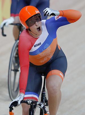 Cycling at the 2016 Summer Olympics – Women's Keirin - Elis Ligtlee winning the final