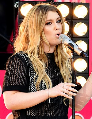 Ella Henderson - Henderson performing in July 2014