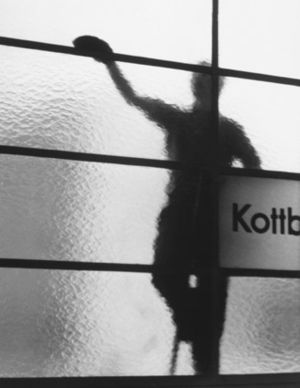 Street photography - Window cleaner at Kottbusser Tor, Berlin, by Elsa Thiemann c.1946