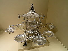 Epergne, Thomas Pitts I, London, 1761 - Nelson-Atkins Museum of Art - DSC08880.JPG