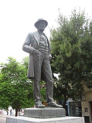 Mercedes, Buenos Aires - Image: Estatua a Mitre en Mercedes