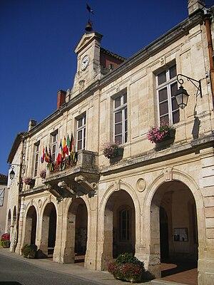 Mauvezin, Gers - Town hall