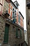 Façade de la maison du chapeau blanc (Le Mont-Saint-Michel, Manche, France).jpg