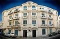 Façade principale, immeuble 40, rue Oum Kalthoum, Tunis septembre 2013.jpg