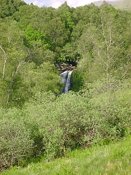 Falls of Falloch cloaked - geograph.org.uk - 1340406