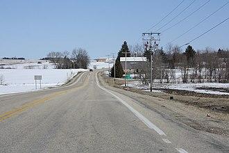 Farmington (community), Wisconsin - Looking east at Farmington along County B