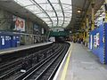 Farringdon station Circle look clockwise June 09.JPG