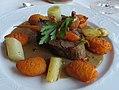 Filetsteak von der Färse mit Dauphine-Kartoffeln.jpg