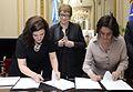 Firma del acuerdo para el fomento de coproducción audiovisual entre Argentina y Chile (15370314366).jpg