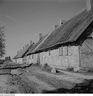 Zudar - Farmworkers' houses on the Zudar in 1963