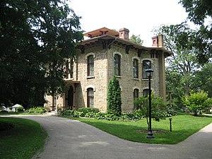 Oscar Taylor House - Image: Freeport Il Taylor House 4