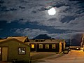 Full Moon over Longyearbyen - panoramio.jpg