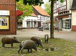 Gehrden Fussgängerzone Schweine.jpg