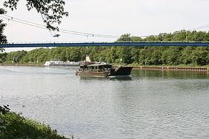 Gelsenkirchen - Rhein-Herne-Kanal - Reservist (Hafenbrücke) 01 ies.jpg
