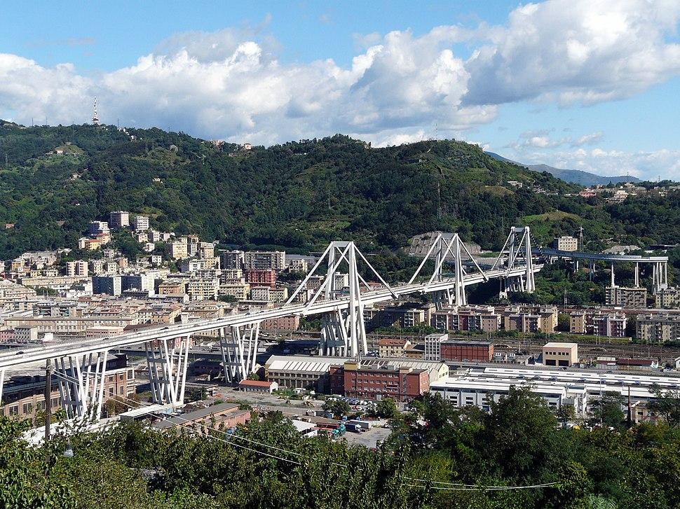 Genova-panorama dal santuario di ns incoronata3