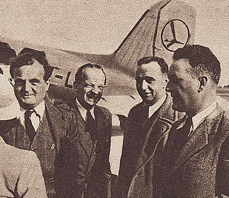 Georges Sadoul - Georges Sadoul (on the left), French government official Dieterle, Fourre Cormeray and director Jean Grémillon (on the right) at Okęcie airport in Warsaw, 1947.
