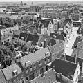 Gezicht vanaf de omgang van de Oostkerk in zuidoostelijke richting; op de voorgrond de Schuitvlotstraat - Middelburg - 20154175 - RCE.jpg