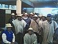 Gilberto Pauwels y líderes de las comunidades de Urus del lago Poopó.jpg