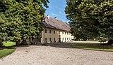 Grafenstein Schloss 2 Nebengebäude beim Schloss SO-Ansicht 26072018 4022.jpg