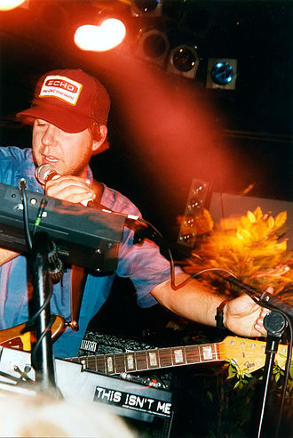 Grandaddy - Jason Lytle performing live with Grandaddy in London in 1998