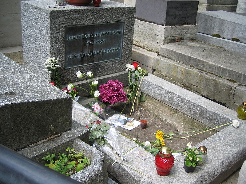 चित्र:Grave of Jim Morrison.JPG